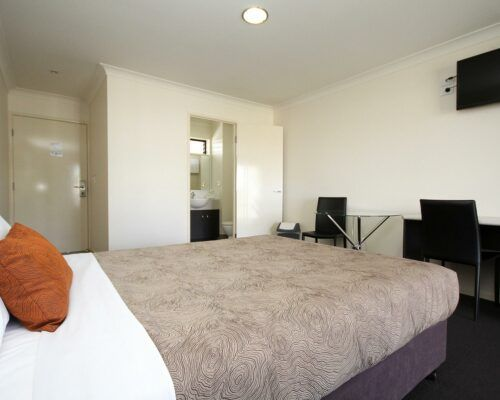 dalby-motel-accommodation-queen-(5)