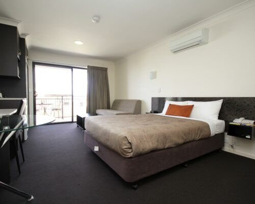 dalby-motel-accommodation-queen-(7)